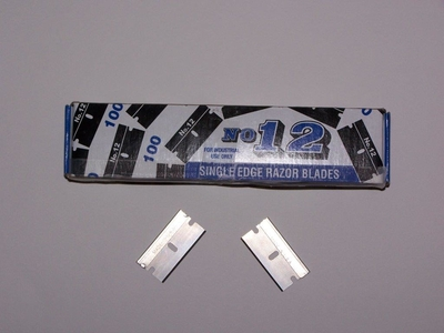 #12 single-edged Razor Blades, 100 per box